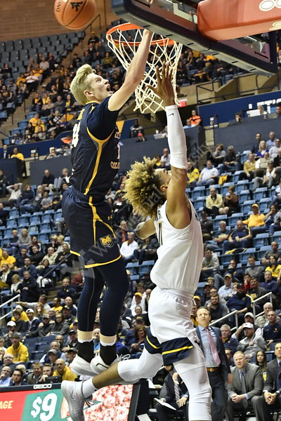 Men's Basketball action vs Northern Colorado November 18, 2019. (WVU Photo/Greg Ellis)