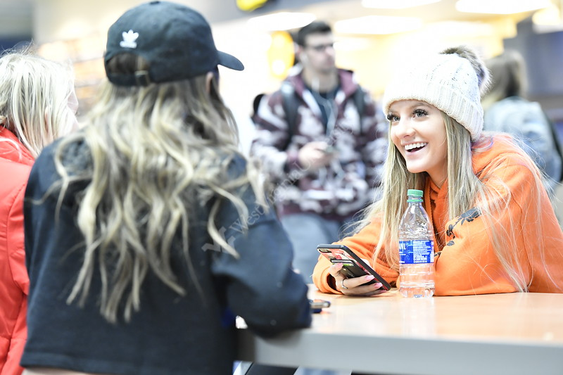 WVU students and members of the WVU community intact and eat at Hatfields and in the WVU Mountain Lair January 31, 2020. (WVU Photo/Greg Ellis)