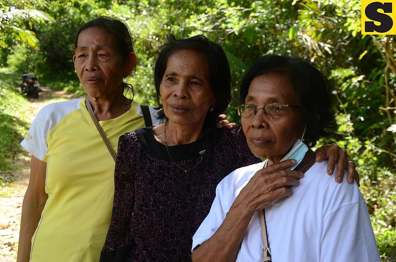 Relatives and neighbors of Constancio and Crisenta Petalco