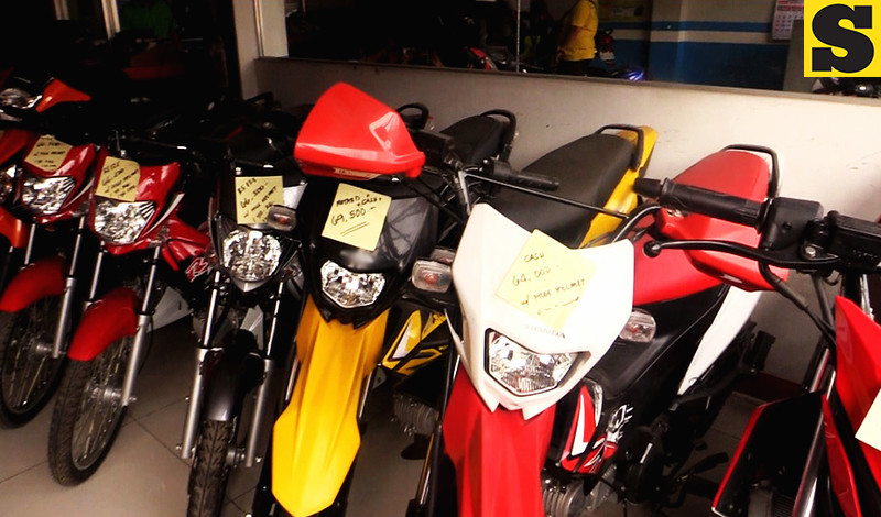 AFFORDABLE. Motorcycles are on display at a store in downtown Cebu City. For those who cannot afford cars, motorcycles present a viable alternative. (SunStar Philippines Photo/CIT-U Intern Aljun Cainghog)