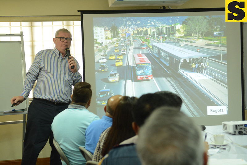 07-30-2016 (date published)<br /> BRT. The Bus Rapid Transit system is not fi t for Cebu City because of its narrow roads, says Canadian professor Dr. Douglas Webster (left) in a forum on urban management. <br /> (SUN.STAR FOTO/ALAN DEFENSOR)