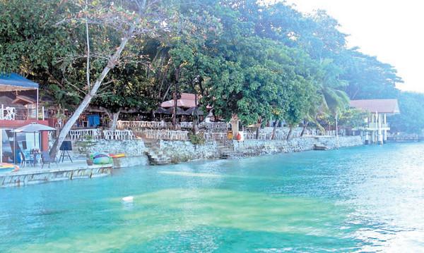 Bluejaz Beach Resort. (Photo by Henrylito D. Tacio)