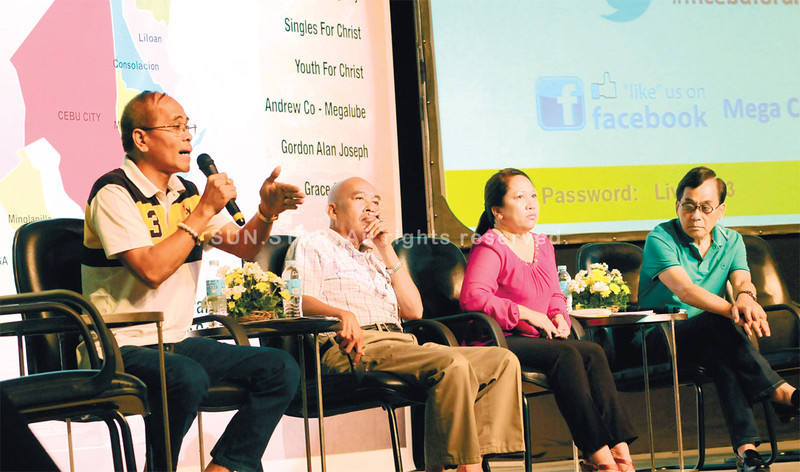 CEBU. First district candidates take the stage in the Cebu Cultural Center in the first of three Mega Cebu forums for the May 2013 elections. Joining the discussion are (from left) Carcar City Mayor Nicepuro Apura, Carcar mayoral candidate Mariano Alegarbes, San Fernando mayoral candidate Lakambini Reluya and Rep. Eduardo Gullas, who is running for mayor of Talisay City. (Allan Defensor)