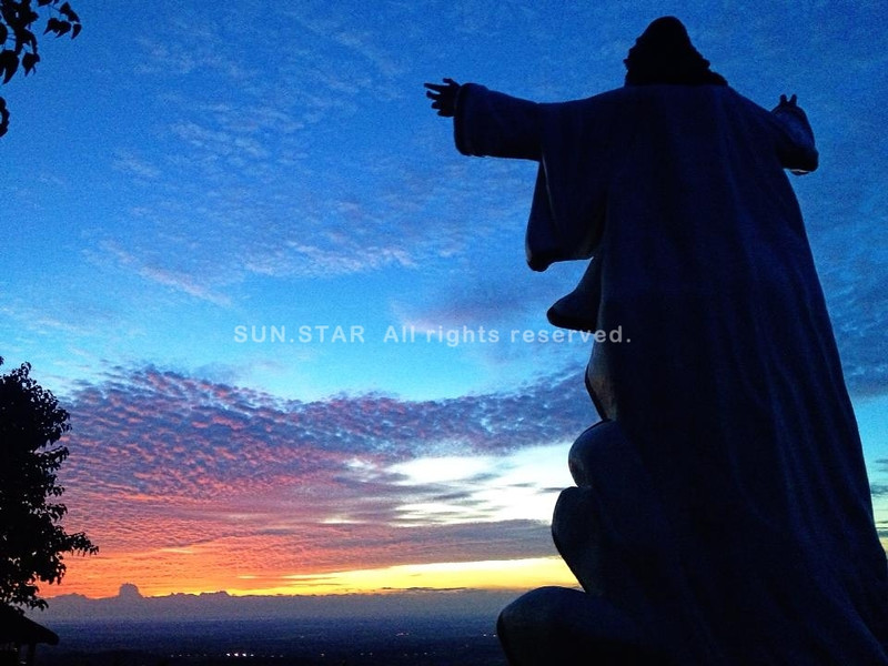 PAMPANGA. The Lord of the Ascension, located in Mt. Nabuclod in Floridablanca town, welcomes the coming of the dawn a few hours before it was inaugurated sometime last week. (Ria de Fiesta)