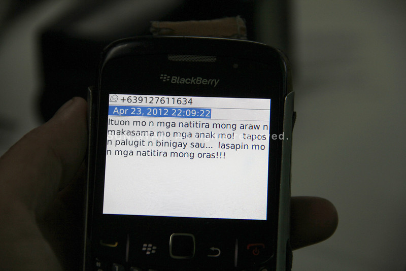 PAMPANGA. Part of the text message Alex Galang received in his mobile phone. (Anthony Bayarong)