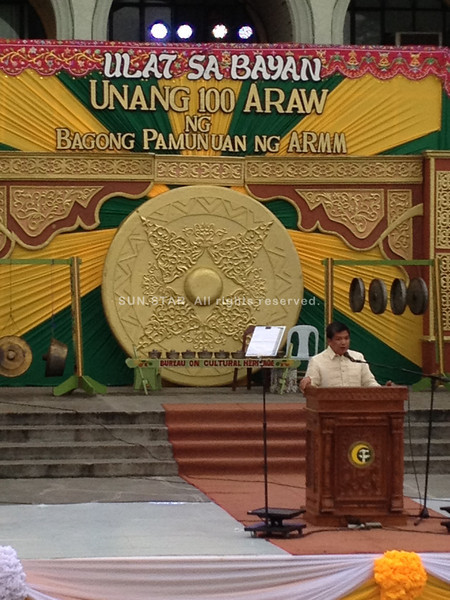 DAVAO. Armm OIC Governor Mujiv Hataman is leading by example when he delivered his First 100 Days Report on Monday sans the presence of fully armed security surrounding him. (Ben O. Tesiorna)