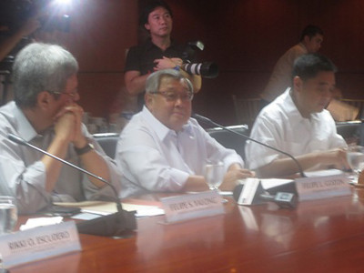 MANILA. GMA Network chairman and CEO Felipe Gozon says the company is financially capable to carry out its regional expansion plan. GMA is in talks with TV5 owner Manny Pangilinan, who is planning to buy the country's second largest broadcast firm.(Virgil Lopez/Sunnex)