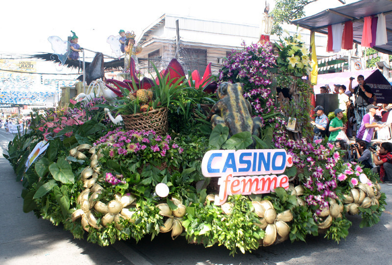 THE float of IPI, which won third place. (Joey P. Nacalaban)