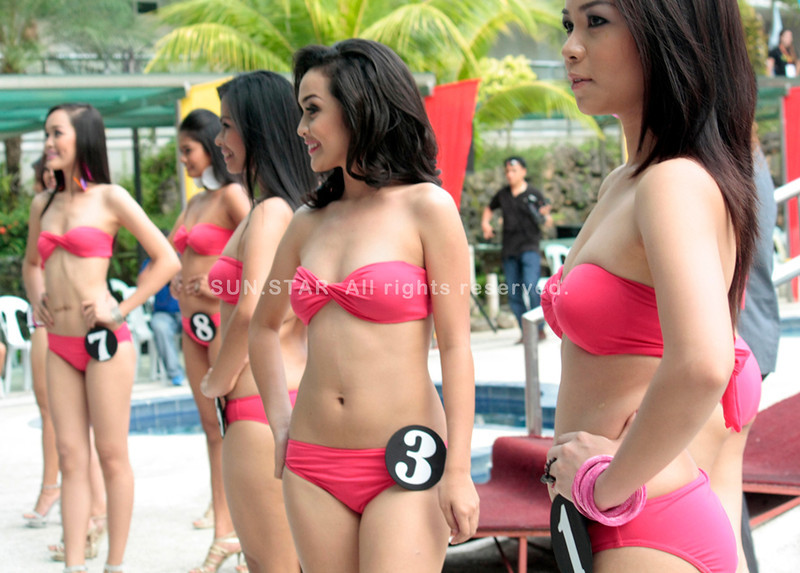 CAGAYAN DE ORO. The candidates for Ms. Kagay-an 2012 during the swimsuit competition held at Koresko hotel last Saturday. The coronation night will be on August 27. (Joey P. Nacalaban)