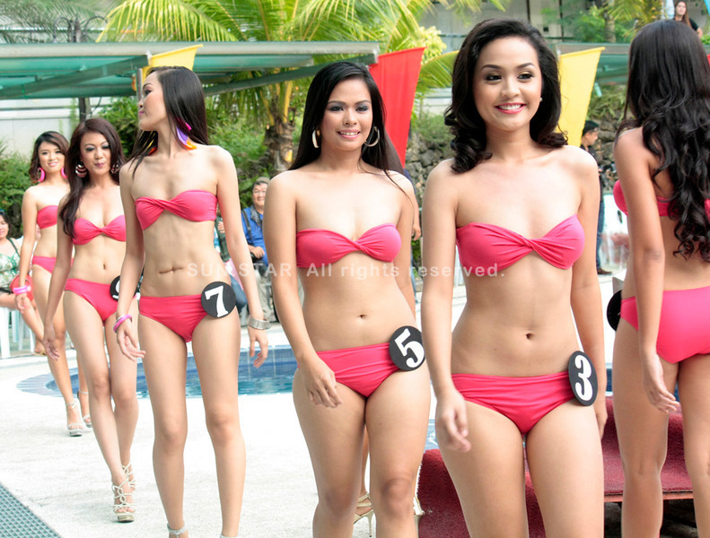 CAGAYAN DE ORO. The candidates for Miss Cagayan de Oro during the swimsuit competition held at Koresko hotel last Saturday. The coronation night will be on August 27. (Joey P. Nacalaban)