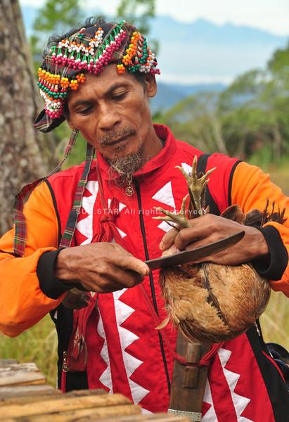 Higaonon datu prepares for ritual