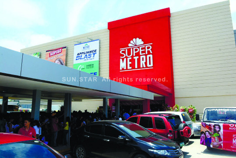 The opening of Super Metro Lapu-Lapu in Barangay Pajo. (Allan Cuizon photo/Sun.Star Cebu)