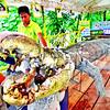Mga trabahante sa Crocodile Park misuway pagbutang sa ulo sa buayang si Lolong sa gihulma nga puthaw nga skeleton samtang maghimo sila og replica sa maong pinakadako nga buaya nga nadakpan didto sa Bunawan, Agusan del Sur. (King Rodriguez photo/Sun.Star Davao)
