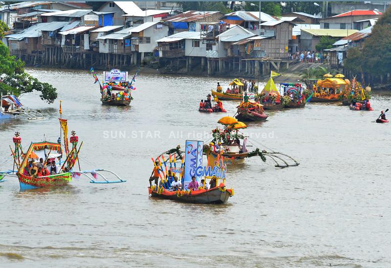 Fluvial parade atol sa Davao River Festival