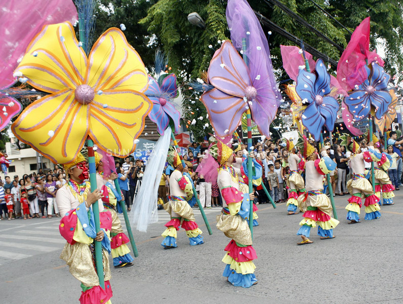 Higalaay Kagay-an Festival street dancing contingent