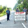 DAVAO. Mga sakop sa Governor Generoso Municipal Police sa Davao Oriental gilangkuban nagpahigayon og checkpoint sa highway kalabot sa pagpatuman sa kahusay ug kalinaw sa ilang dapit samtang padulong sa Bag-ong Tuig. (Seth Delos Reyes)