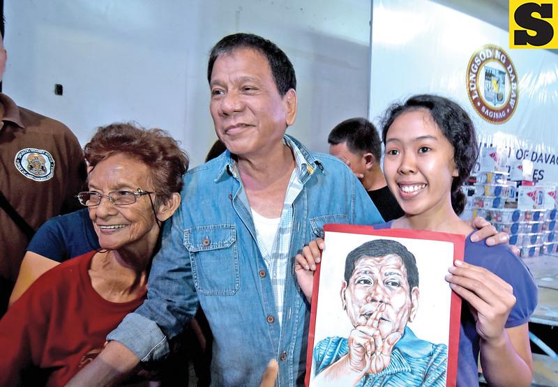Deaf girl with Davao City Mayor Rodrigo Duterte