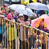 DAVAO. Mga tawo naglumbay alang sa libre nga ibot sa ngipon nga gipasiugdahan sa City Health Department didto sa Rizal Park. Nanghinubra ang buot mopaibot apan 200 lang ang mamahimong maserbisyuhan.  (Seth delos Reyes)