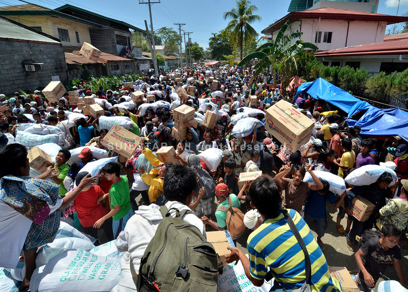 Typhoon Pablo survivors ransacked DSWD office in Davao, looted relief goods.