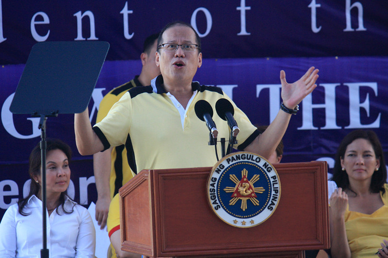 CAGAYAN DE ORO. President Benigno Aquino III speaks before hundreds of supporters during a campaign sortie at the Pelaez Sports Center in Cagayan de Oro Tuesday. (Joey P. Nacalaban)