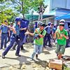 DAVAO. Usa sa mga raleyista midagan aron di mabunalan sa pulis nga mibadlong kanila didto sa DSWD Martes sa buntag didto sa dalang Suazo, siyudad sa Davao. (King Rodriguez)