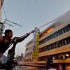 DAVAO. Usa ka adlaw sa wa pa magsugod ang Fire Prevention Month, mga bombero daling miresponde sa nasunog nga appliance store sa dalang San Pedro, siyudad sa Davao, niadtong Huwebes sa hapon. (King Rodriguez)