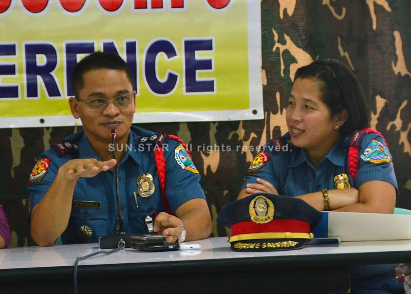 Si Police Superintendent Felmore Escobal nagbutyag nga plastado na ang mga lakang sa Policer Regional Office aron mamahimong hapsay ug malinawon ang umaabot nga eleksiyon sa tibuok rehiyon sa Davao. (Seth delos Reyes)