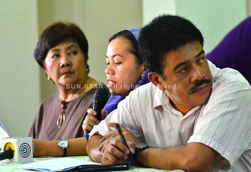 Bayan Muna ug Gabriela Women's party representatives