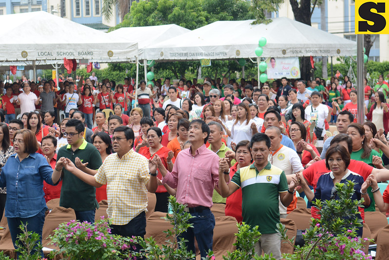 Cebu City Mayor Mike Rama and Vice Mayor Edgardo Labella attend mass