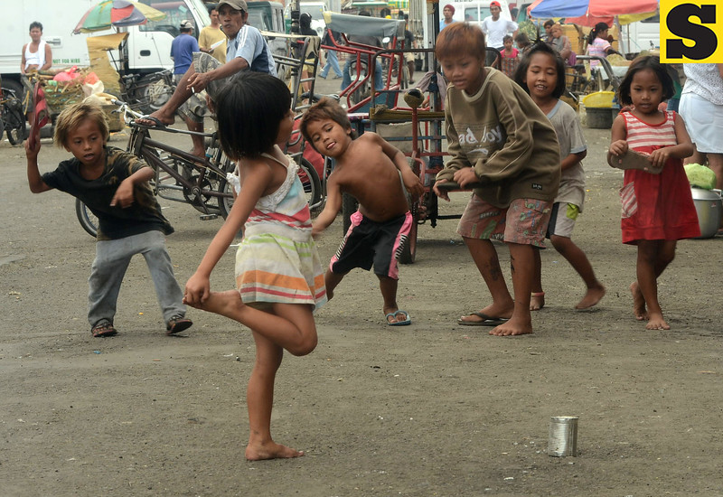 Bato late or Tumba Lata game among children
