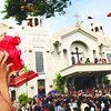 PRE-FLUVIAL. Santo Niño devotees in Mandaue City welcome the images of the Lady of Guadalupe and Santo Niño at the National Shrine of Saint Joseph. The two icons meet at the church a day before they are featured in a fl uvial procession as part of the celebration of the feast of the Sto. Niño. (Sun.Star Photo/Allan Cuizon)