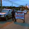DAVAO. Mga sakop sa Sta. Ana Police Station nagpahigayon og check point sa dalang R. Castillo, Agdao District, dakbayan sa Davao aron ipatuman ang Oplan Katok tungod sa Comelec Gun Ban niadtong Dominggo sa hapon. (Seth Delos Reyes)