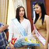 BEAUTIES. Mandauehanon Mutya Ng Pilipinas winner Rizzini Alexis Gomez (2nd from left), who<br /> was crowned Ms. Tourism International 2012, and Mutya Ng Pilipinas 2nd Runner-Up Larah Lacap<br /> (2nd from right), pose with Mandaue City Mayor Jonas Cortes (left) and Vice Mayor Glenn Bercede (right) during a courtesy call at the Mandaue City Mayor's Offi ce. Gomez is from Barangay Subangdaku. (Photo by Allan Cuizon)