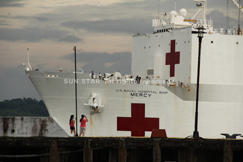 ILOILO. The Navy's premier hospital, USNS Mercy, which is capable of rapid and mobile acute medical and surgical procedures with a total of 1,000 beds and can accommodate 200 patients per day, docked in Subic Bay Monday. (Anthony Bayarong)
