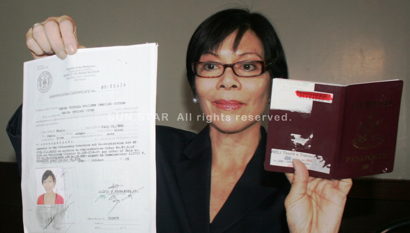 MANILA. Lawyer Regina Reyes shows proof of her being a natural born Filipino in a press conference in Manila on Thursday. Poll officials nullified Reyes's proclamation as winning candidate for representative of Marinduque on the ground that she is an American citizen and lacking of the one-year residency in the country. (Michael Superales/Sunnex)