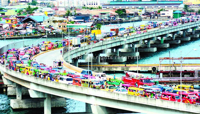Iglesia ni Cristo evangelical mission stalls traffic in Cebu City