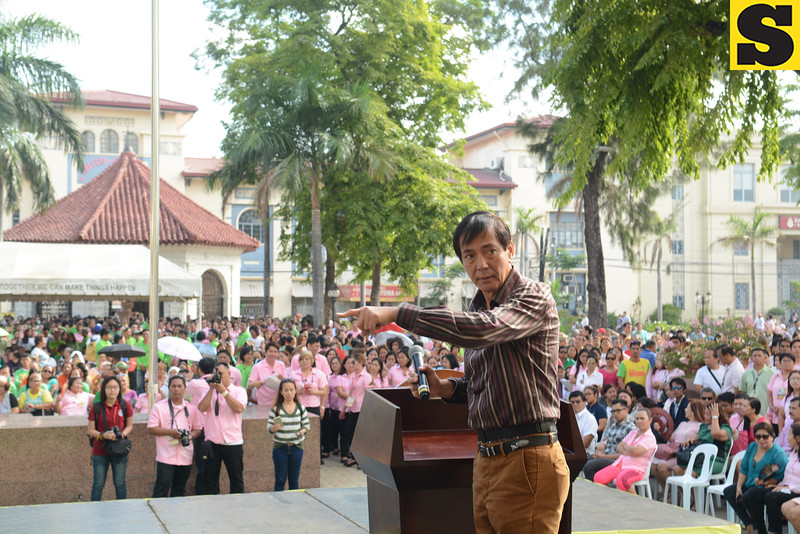 Cebu City Mayor Mike Rama talks to City Hall employees