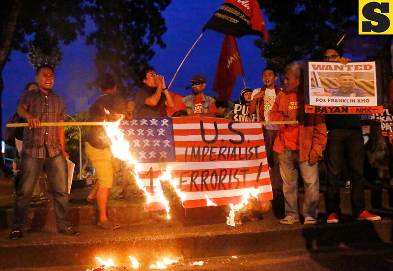 Rally vs violent dispersal at US Embassy
