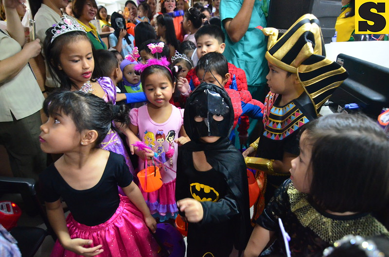 Kids wear Halloween costume