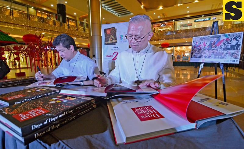 Cebu Archbishop Jpse Palma and Auxilliary Bishop Dennis Villarojo