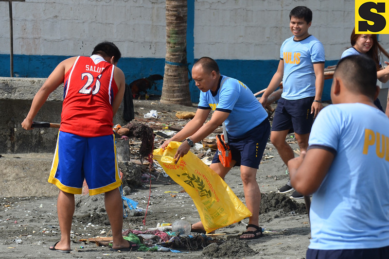 Coastal cleanup in Sta. Ana, Davao City