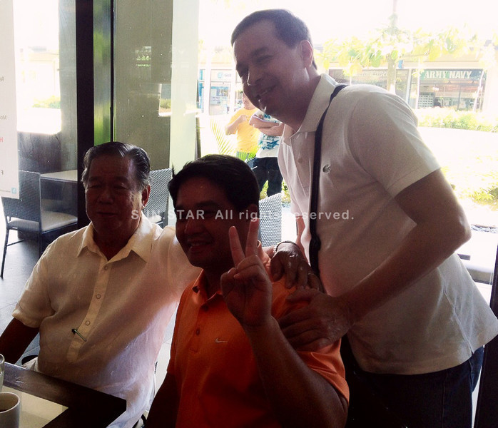 Sign of peace - Negros Occidental Governor Maranon and Patrick Lacson