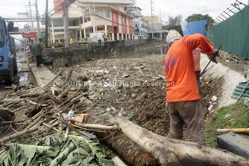 Debris cleared from Bitan-ag creek