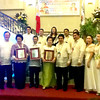 BACOLOD. Ang Banwahanon awardees Pamela Torre Henares, Joel Villaruz Sr. and Lucy Chua Ponce pose with city officials led by Mayor Evelio Leonardia (6th from L) and awards committee chair Dr. Leonito Lopue (2nd from L) during the awarding ceremony at the Bacolod Government Center Sunday. (Carla N. Cañet)