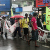 THE rain failed to dampen the spirit of around 100 farmers from airing their grievances against the non-implementation of Carper as they marched from the Kiosko Kagawasan in Divisoria toward the Macabalan port on Monday. (Joey P. Nacalaban)