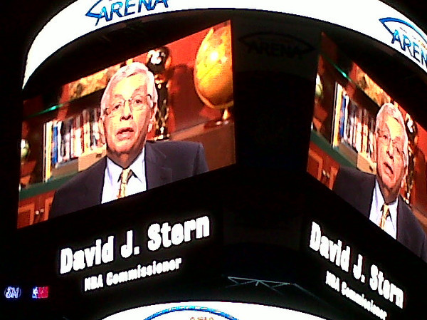 MANILA. In a videotaped message, NBA Commissioner David Stern announces to Philippine media the holding of a pre-season game between the Houston Rockets and the Indiana Pacers on October 10 in Manila. (Virgil Lopez)