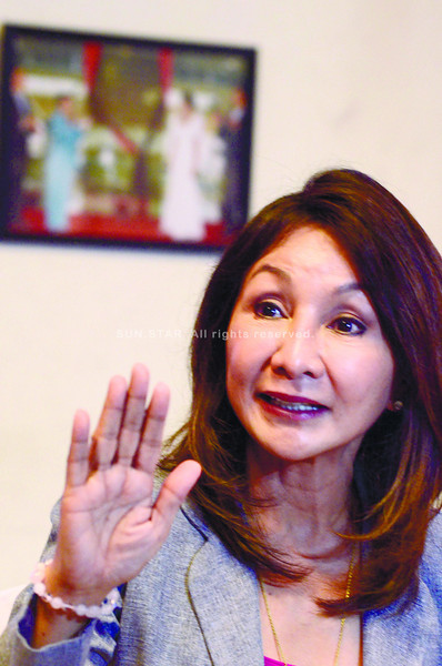 12-24-12 (date published)  <br /> Photo taken-12-19-12 <br /> Garcia, Gov. Gwendolyn-Cebu Province Governor, during a media interview regarding her 6 months suspension as Governor of Cebu.<br /> (Sun.Star Foto Amper Campaña)