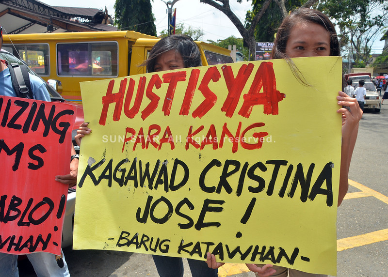 DAVAO. Nangayo ug hustisya ang mga miyembro sa Barug Katawhan, ang grupo sa gipatay nga lider nga si Kagawad Cristina Jose. (SuperBalita Davao)