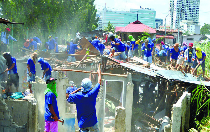 Barangay Apas demolition stopped