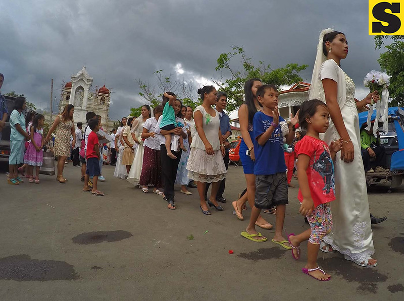 Carcar mass wedding